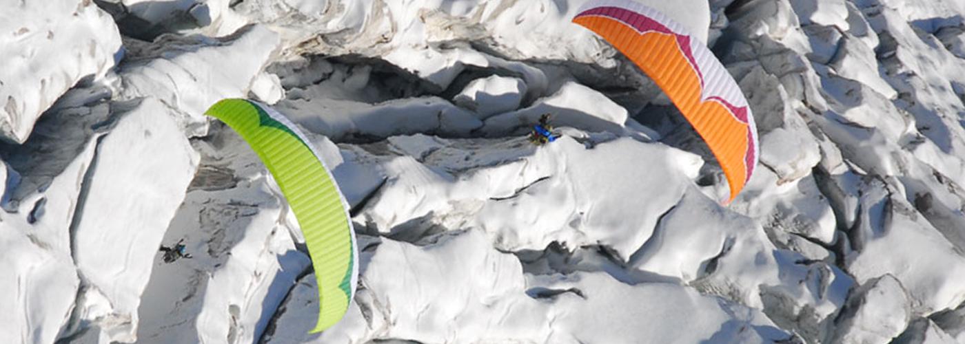 parapente sur le glacier de fee